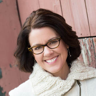 Ann Handley is well-known in the writer and marketing circles for her great advice and willingness to help.